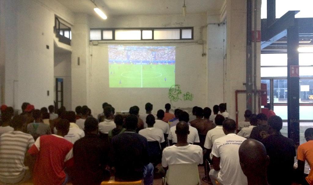 Messa della Domenica alla Fiera di Genova per i ragazzi migranti