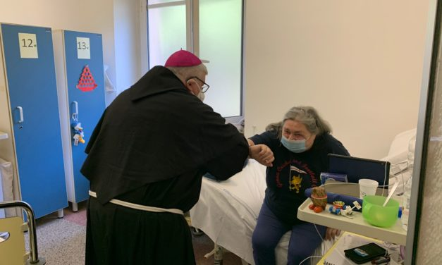 L'Arcivescovo Marco in visita a Il Basilico